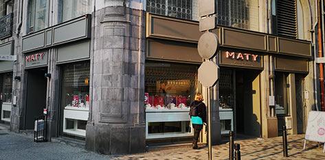 acheter sur des pieds à dernier style Bijouterie / Horlogerie à Clermont-Ferrand – Bijoux et ...