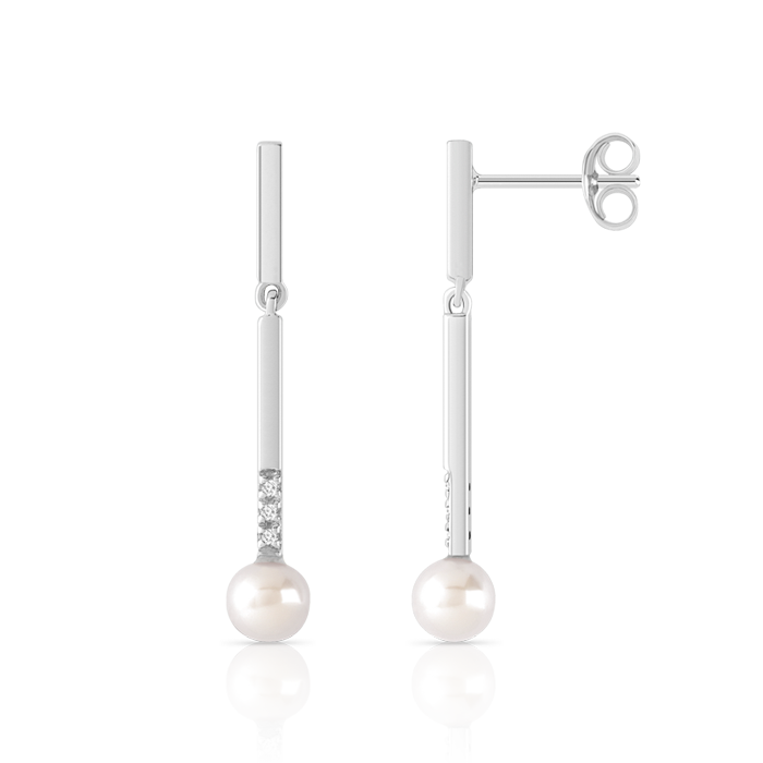 BOUCLES D'OREILLES : pendants en or blanc 375, 2 perles de culture de Chine et 6 diamants